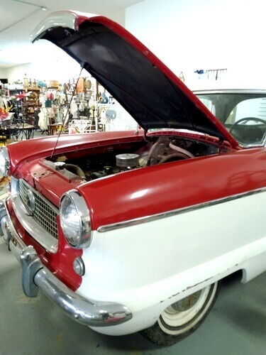 Ohio Antiques - Vintage Nash Automobile, Vintage Car, Man Cave at Aunties Antique Mall
