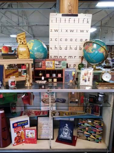 Ohio Antiques - Globes, Trophies, Lunchboxes at Aunties Antique Mall